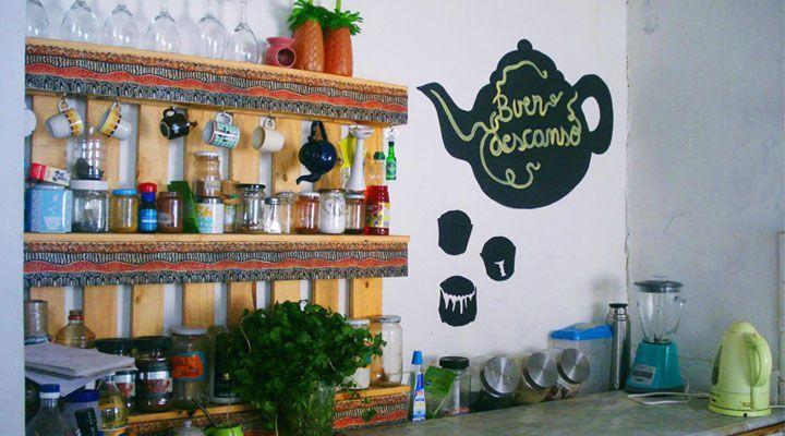 hostel kitchen kom