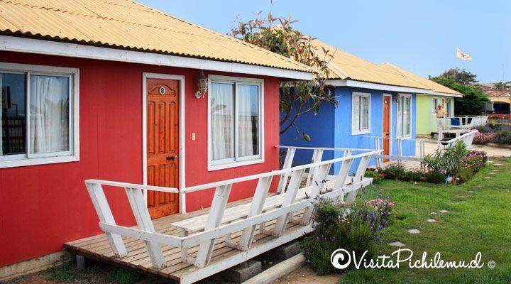 cabines externas com vista para o mar em frente à praia de Santa Irene pichilemu