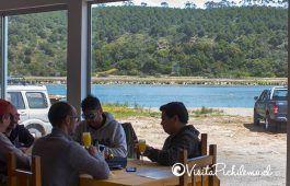 terraço com vista para o restaurante lagoa Cahuil o sal