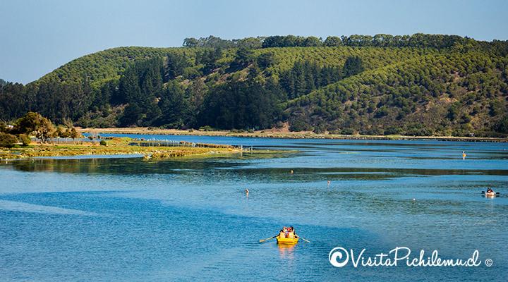 paseo en bote por la laguna de cahuil